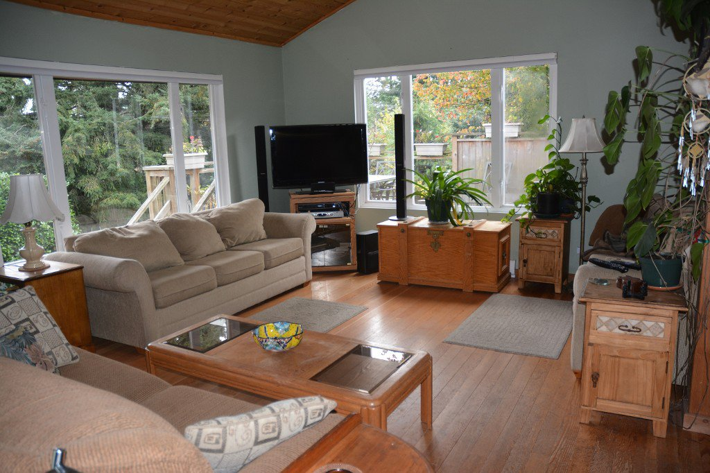 "Photo 4: Photos: 1117 LENORA Road: Bowen Island House for sale in ""DEEP BAY"" : MLS®# R2151113"