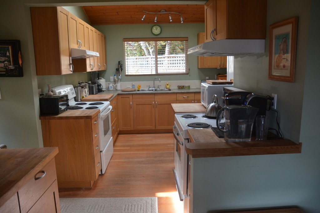 "Photo 8: Photos: 1117 LENORA Road: Bowen Island House for sale in ""DEEP BAY"" : MLS®# R2151113"