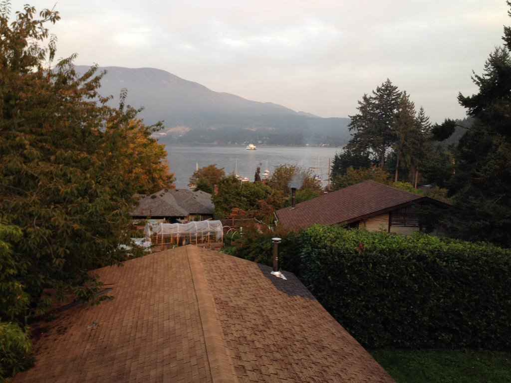 "Photo 2: Photos: 1117 LENORA Road: Bowen Island House for sale in ""DEEP BAY"" : MLS®# R2151113"