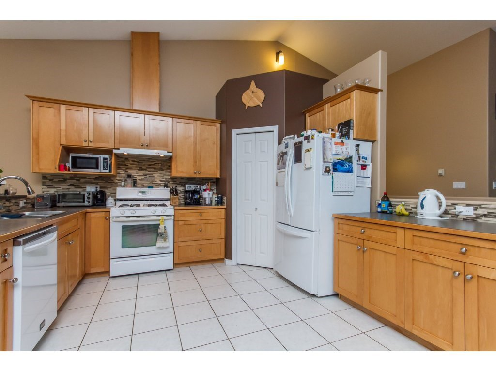 Photo 4: Photos: 36041 SPYGLASS Court in Abbotsford: Abbotsford East House for sale : MLS®# R2154022