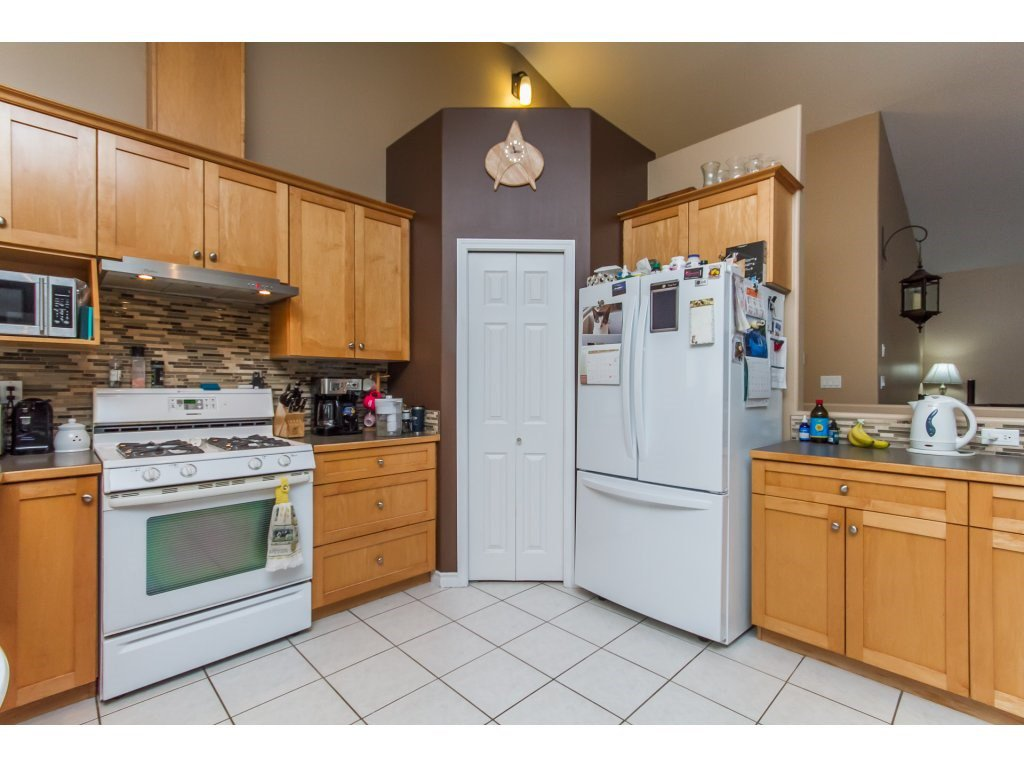 Photo 6: Photos: 36041 SPYGLASS Court in Abbotsford: Abbotsford East House for sale : MLS®# R2154022