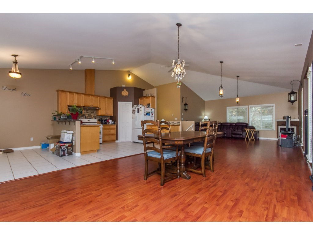 Photo 8: Photos: 36041 SPYGLASS Court in Abbotsford: Abbotsford East House for sale : MLS®# R2154022
