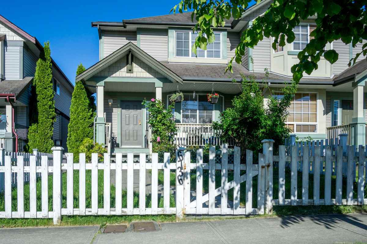 Main Photo: 6736 184 STREET in Surrey: Cloverdale BC House 1/2 Duplex for sale (Cloverdale)  : MLS®# R2180255
