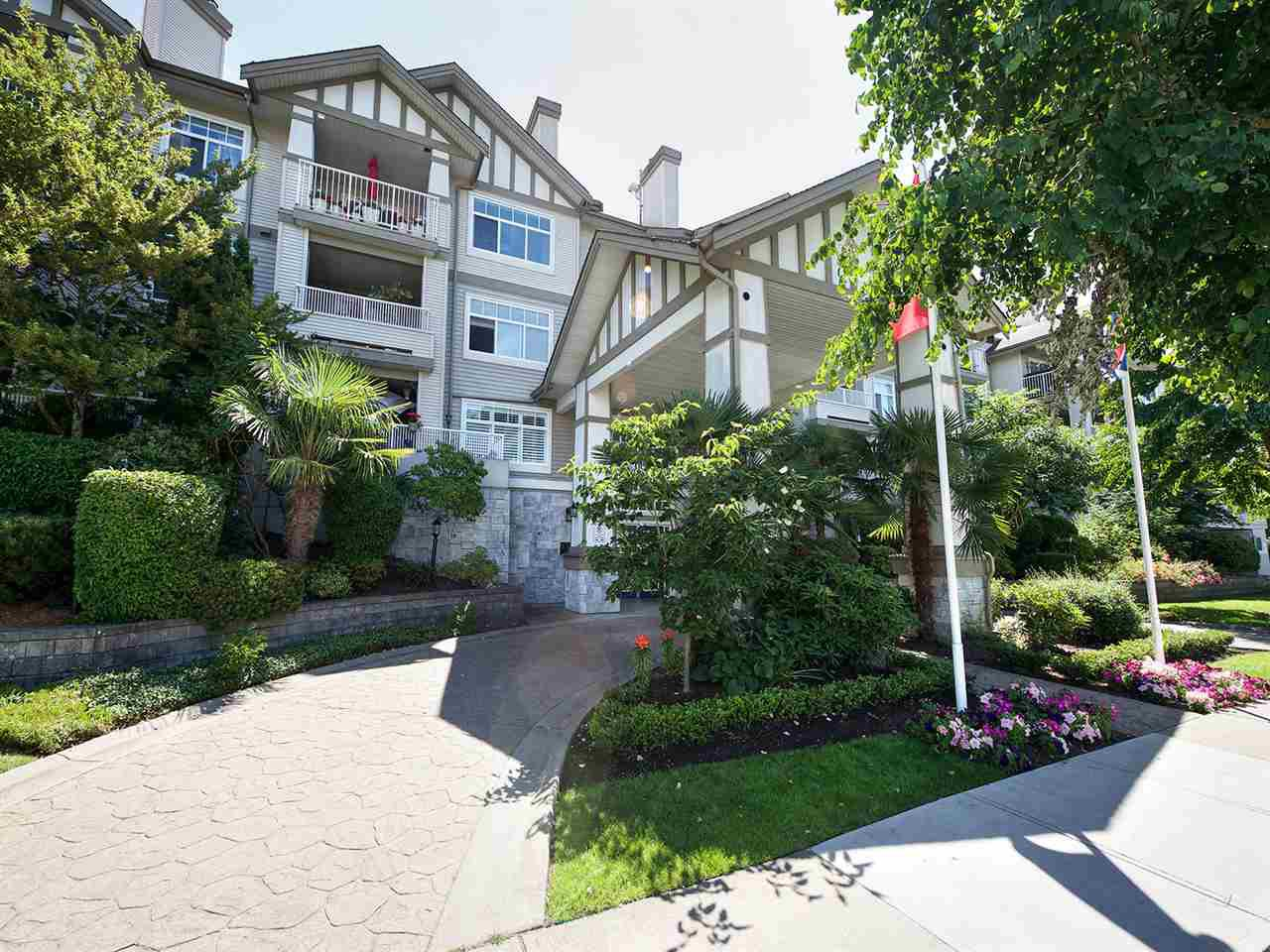 "Main Photo: 315 4770 52A Street in Delta: Delta Manor Condo for sale in ""WESTHAM LANE"" (Ladner)  : MLS®# R2189063"