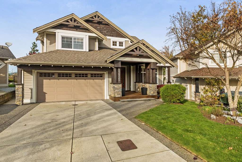 Great location in Silver Ridge, just 3 traffic lights to Langley over the toll free Golden Ears Bridge. Flat driveway and cul-de-sac setting too.