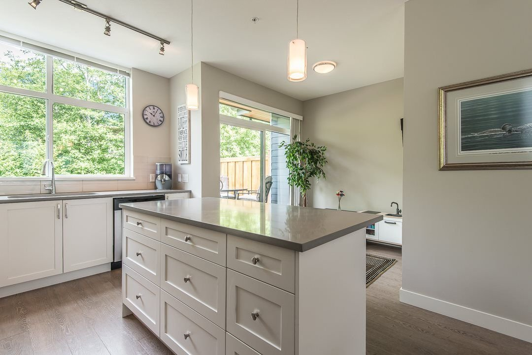 """Photo 11: Photos: 38365 SUMMIT'S VIEW Drive in Squamish: Downtown SQ Townhouse for sale in """"The Falls"""" : MLS®# R2278047"""