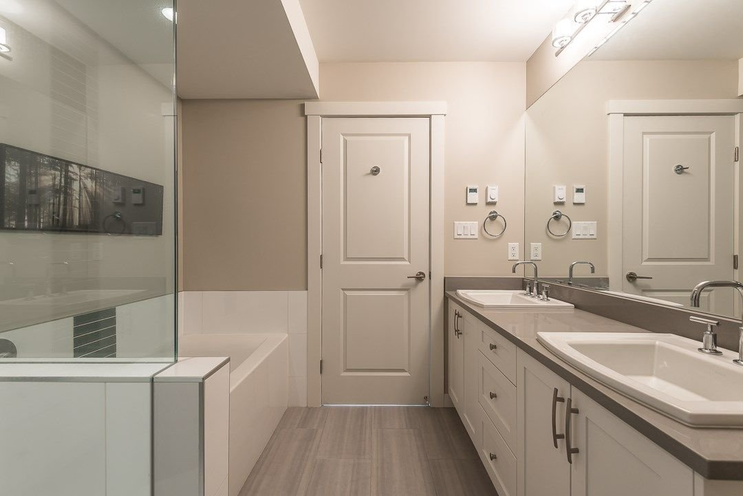 """Photo 18: Photos: 38365 SUMMIT'S VIEW Drive in Squamish: Downtown SQ Townhouse for sale in """"The Falls"""" : MLS®# R2278047"""