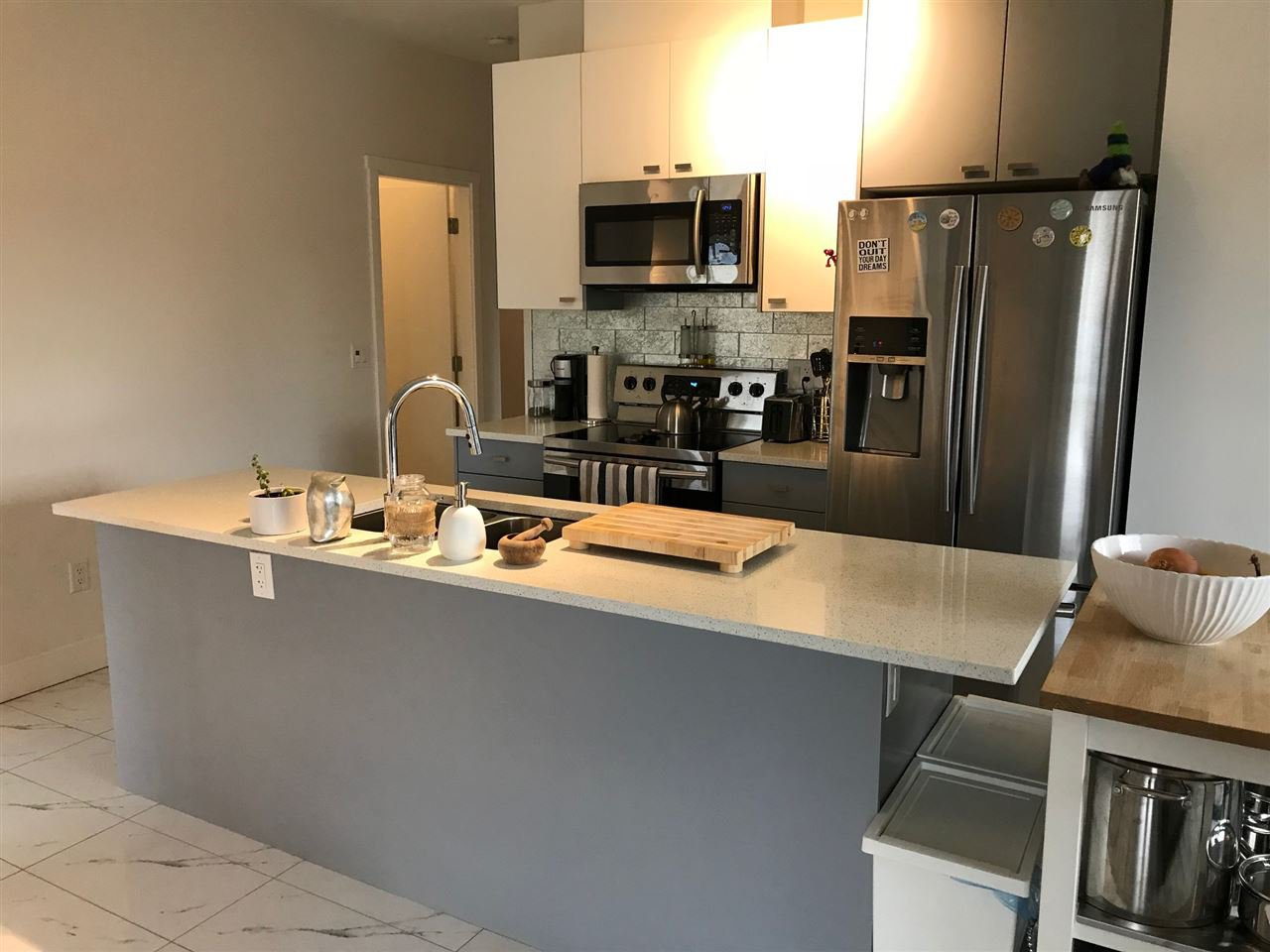 Photo 3: Photos: 404 12310 222 Street in Maple Ridge: West Central Condo for sale : MLS®# R2324214