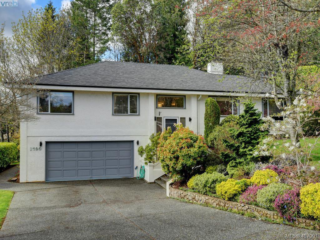 Main Photo: 1790 Fairfax Pl in NORTH SAANICH: NS Dean Park Single Family Detached for sale (North Saanich)  : MLS®# 810796