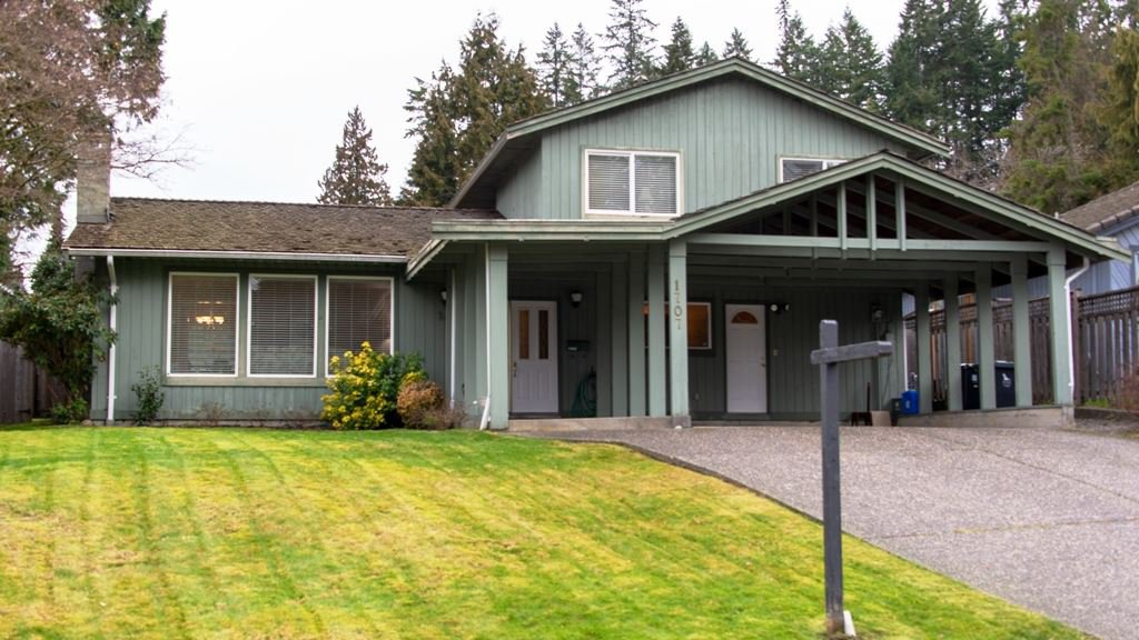 Main Photo: 1707 MEDWIN Place in North Vancouver: Blueridge NV House for sale : MLS®# R2376435