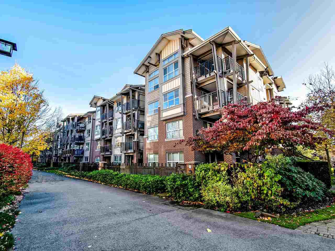 "Main Photo: 307 5885 IRMIN Street in Burnaby: Metrotown Condo for sale in ""MACPHERSON WALK"" (Burnaby South)  : MLS®# R2416144"