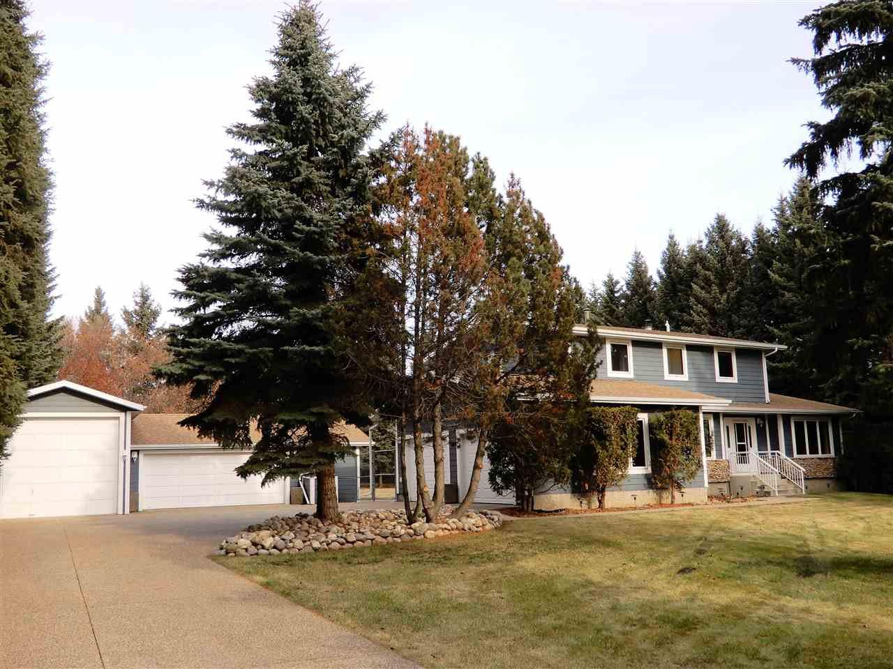 Main Photo: 136 FERNWOOD Crescent: Rural Sturgeon County House for sale : MLS®# E4179153