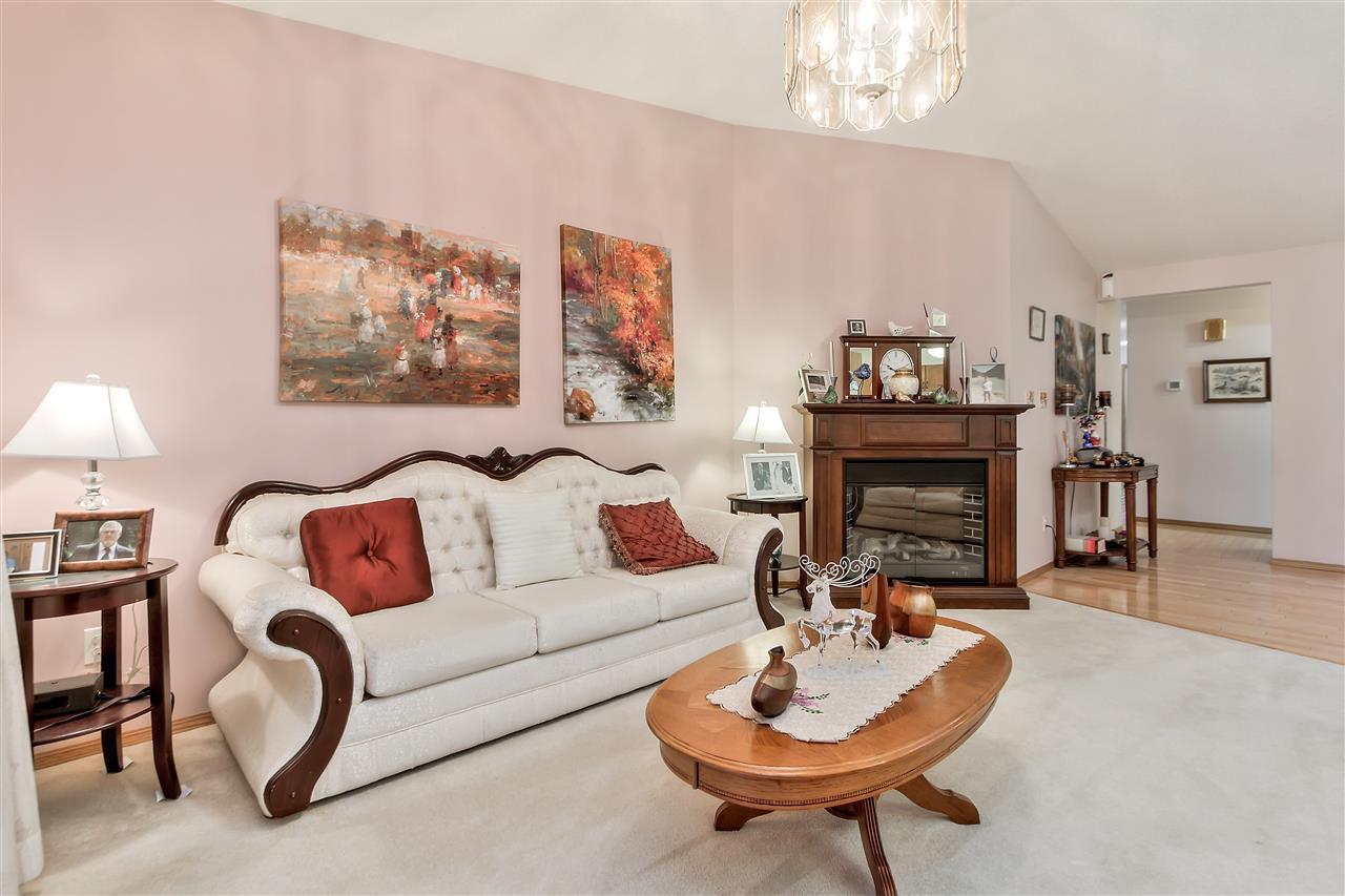 Main Photo: 20 2A FIELDSTONE Drive: Spruce Grove House Half Duplex for sale : MLS®# E4182498