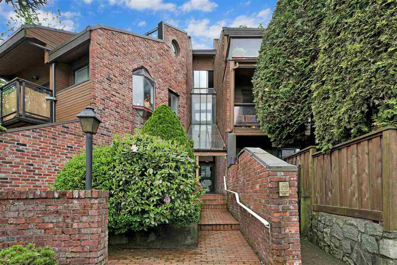 """Main Photo: PH4 2410 CORNWALL Avenue in Vancouver: Kitsilano Condo for sale in """"Spinnaker"""" (Vancouver West)  : MLS®# R2465587"""