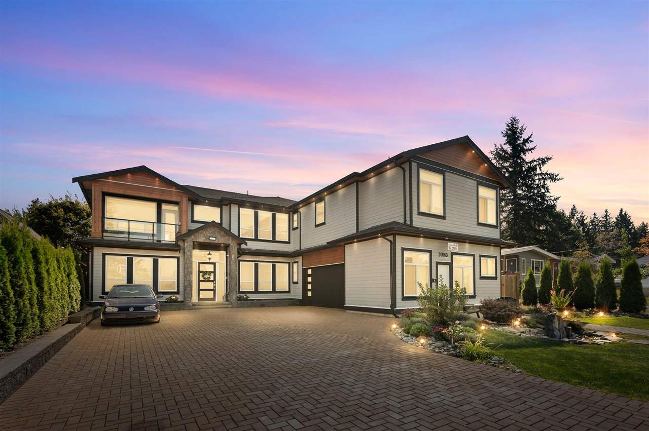 Main Photo: 20060 50 Avenue in Langley: Langley City House for sale : MLS®# R2487841