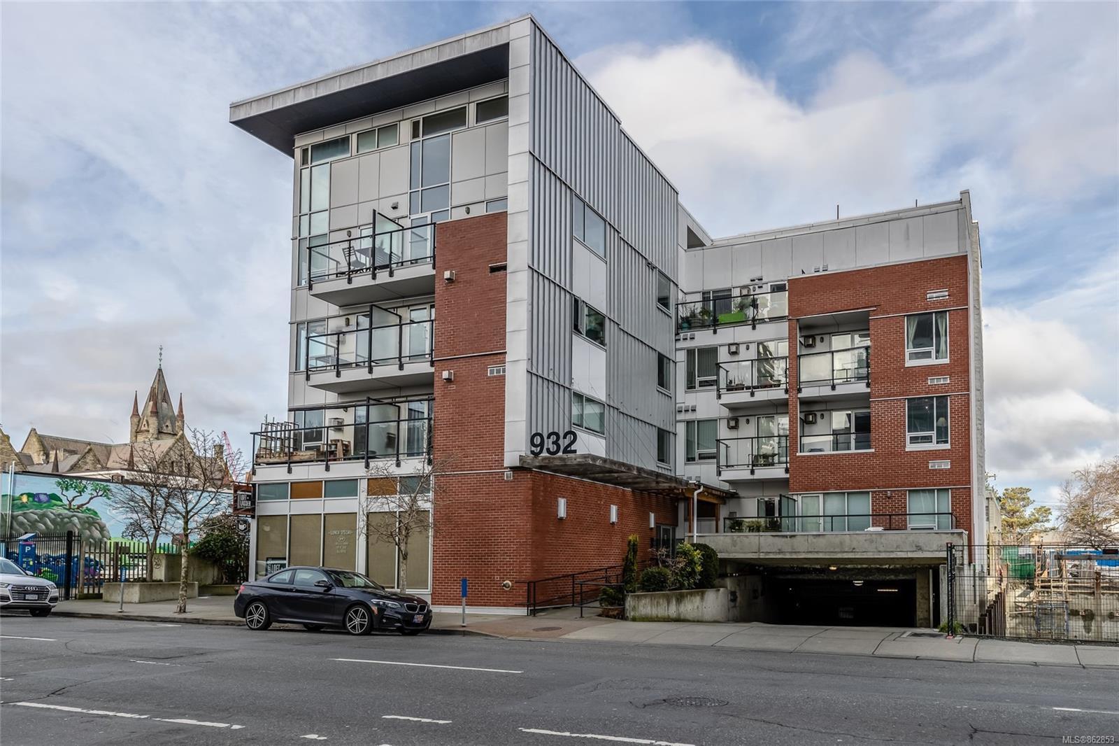 Main Photo: 207 932 Johnson St in : Vi Downtown Condo for sale (Victoria)  : MLS®# 862853