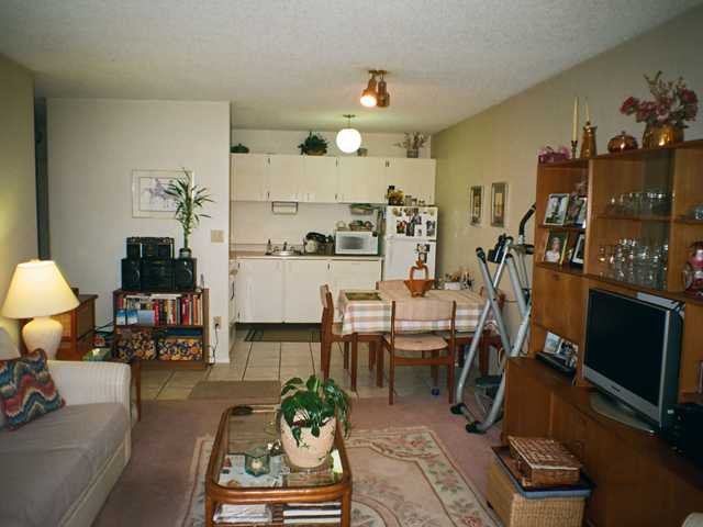 Photo 3: Photos: 304 145 st Georges Avenue in North Vancouver: Lower Lonsdale Condo for sale : MLS®# V901028