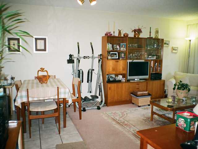 Photo 4: Photos: 304 145 st Georges Avenue in North Vancouver: Lower Lonsdale Condo for sale : MLS®# V901028