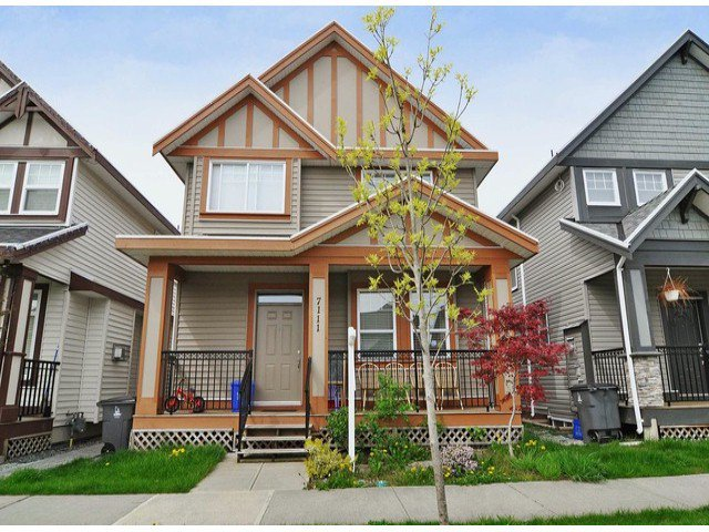 Main Photo: 7111 195a St. in Cloverdale: Cloverdale BC House for sale : MLS®# F1309894