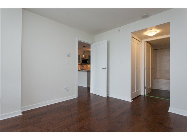 """Photo 10: Photos: 2006 1 RENAISSANCE Square in New Westminster: Quay Condo for sale in """"THE Q"""" : MLS®# V1043023"""