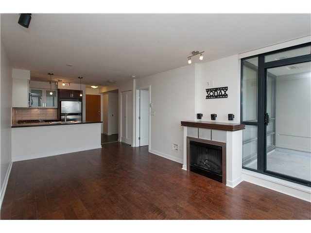 """Photo 5: Photos: 2006 1 RENAISSANCE Square in New Westminster: Quay Condo for sale in """"THE Q"""" : MLS®# V1043023"""