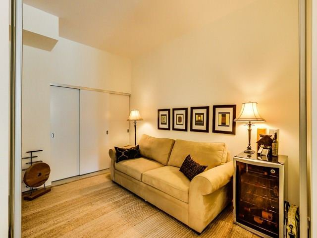 Photo 2: Photos: 524 510 E King Street in Toronto: Moss Park Condo for lease (Toronto C08)  : MLS®# C3242571