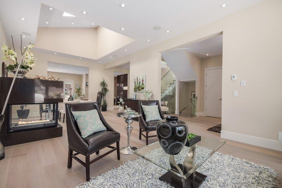 Photo 5: Photos: 3694 LORAINE AV in EDGEMONT VILLAGE AREA: Edgemont Home for sale ()  : MLS®# V1078425