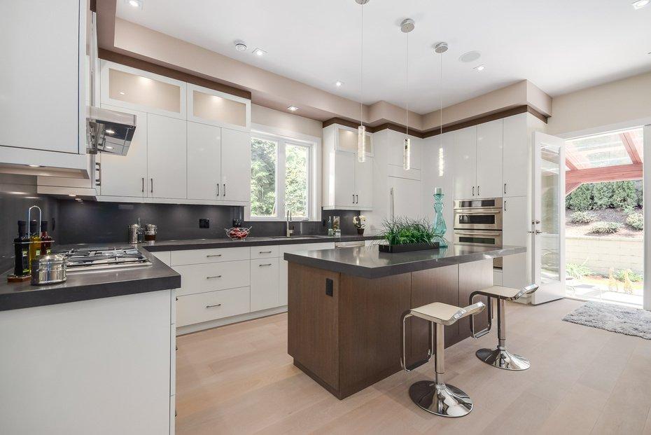 Photo 8: Photos: 3694 LORAINE AV in EDGEMONT VILLAGE AREA: Edgemont Home for sale ()  : MLS®# V1078425