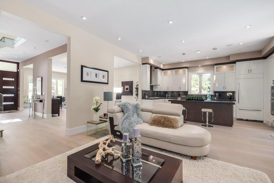 Photo 13: Photos: 3694 LORAINE AV in EDGEMONT VILLAGE AREA: Edgemont Home for sale ()  : MLS®# V1078425