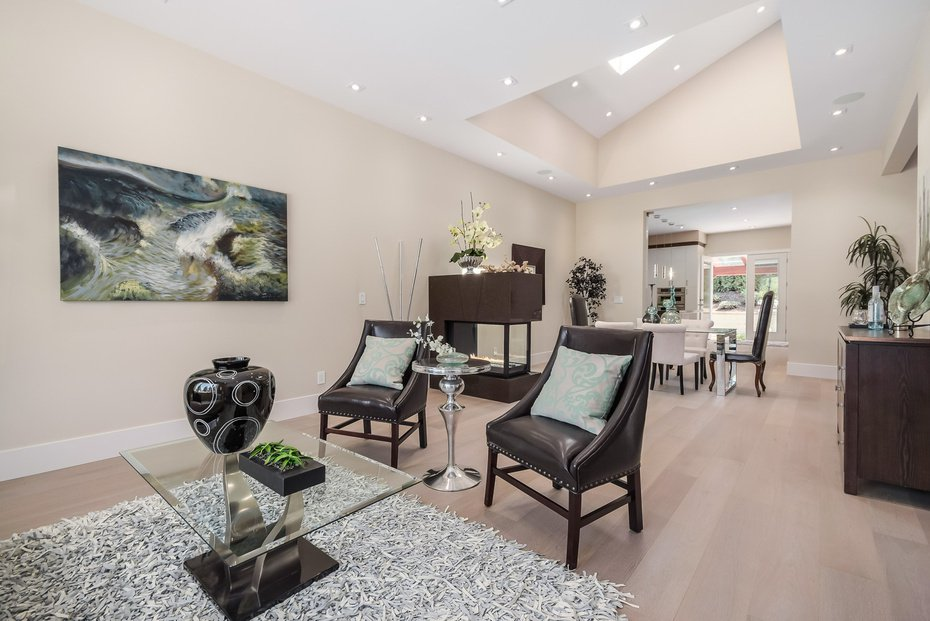 Photo 4: Photos: 3694 LORAINE AV in EDGEMONT VILLAGE AREA: Edgemont Home for sale ()  : MLS®# V1078425