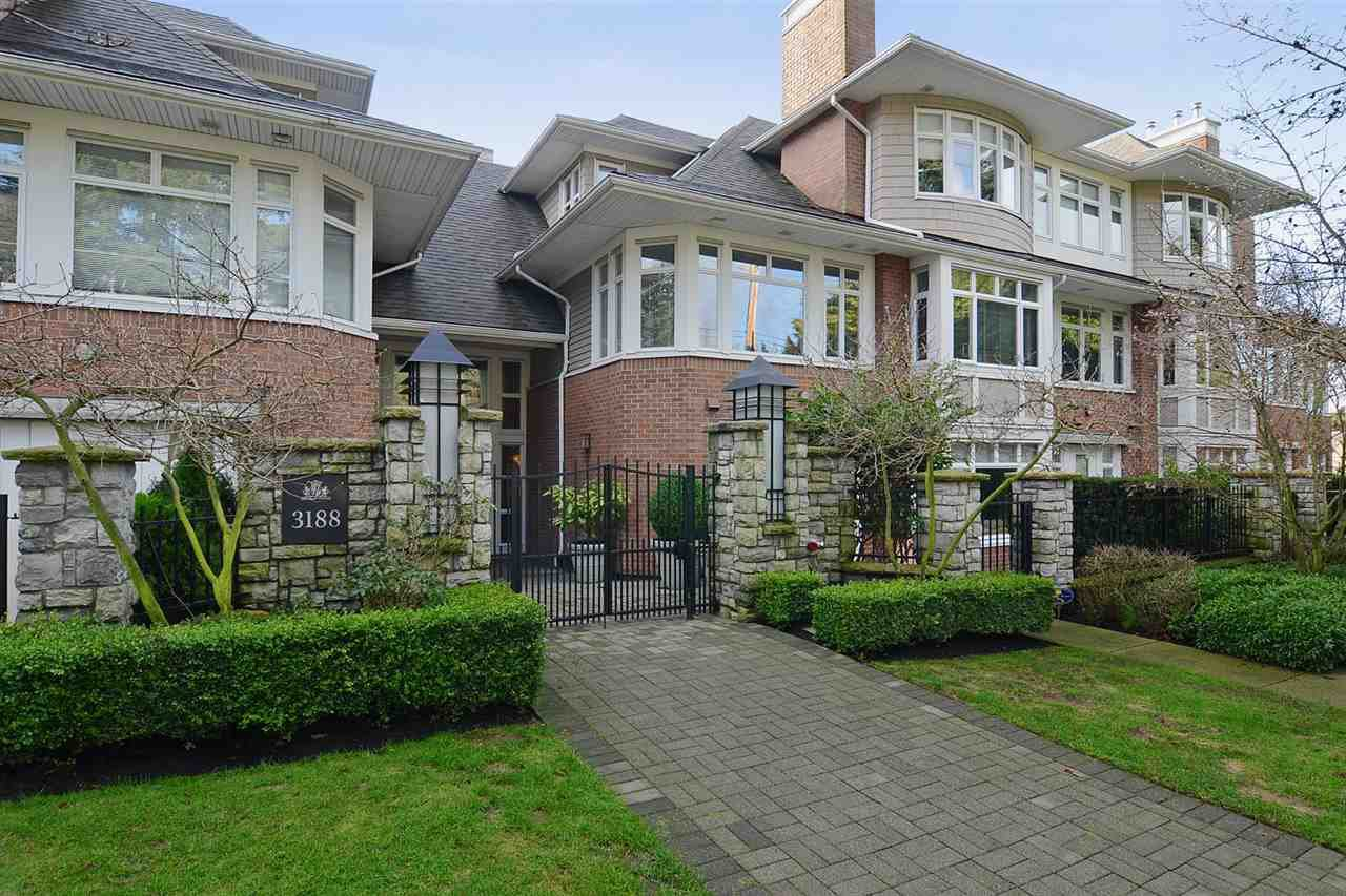 "Main Photo: 310 3188 W 41ST Avenue in Vancouver: Kerrisdale Condo for sale in ""LANESBOROUGH"" (Vancouver West)  : MLS®# R2067224"