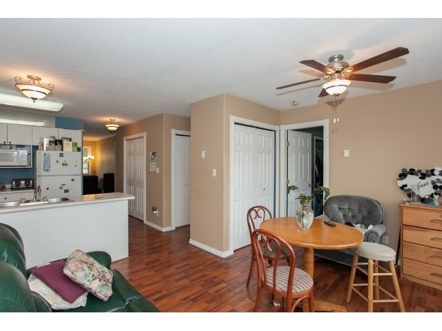 "Photo 4: Photos: 6 6480 VEDDER Road in Sardis: Sardis East Vedder Rd Townhouse for sale in ""WILLOUGBY"" : MLS®# R2067625"