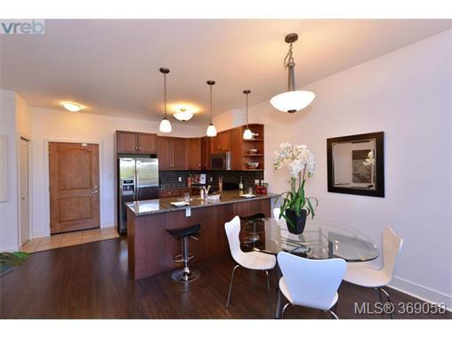 Photo 4: Photos: 407 866 Brock Ave in VICTORIA: La Langford Proper Condo for sale (Langford)  : MLS®# 740121