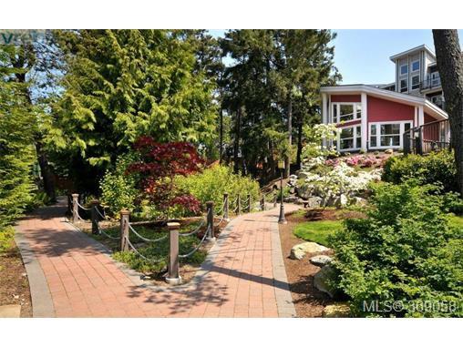 Photo 17: Photos: 407 866 Brock Ave in VICTORIA: La Langford Proper Condo for sale (Langford)  : MLS®# 740121
