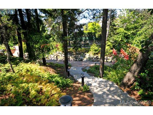 Photo 16: Photos: 407 866 Brock Ave in VICTORIA: La Langford Proper Condo for sale (Langford)  : MLS®# 740121