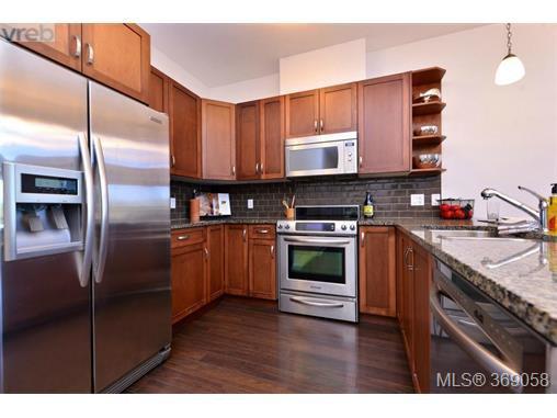 Photo 2: Photos: 407 866 Brock Ave in VICTORIA: La Langford Proper Condo for sale (Langford)  : MLS®# 740121
