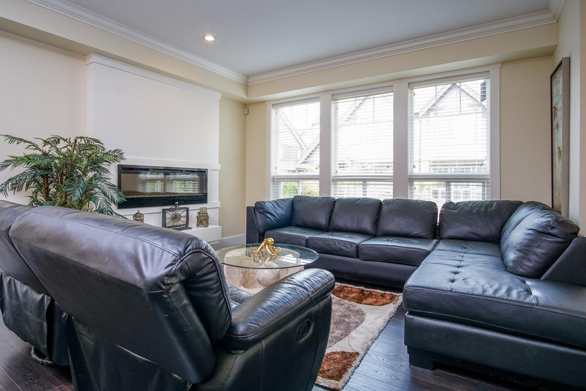 "Main Photo: 4 14877 60 Avenue in Surrey: Sullivan Station Townhouse for sale in ""LUMINA"" : MLS®# R2195431"