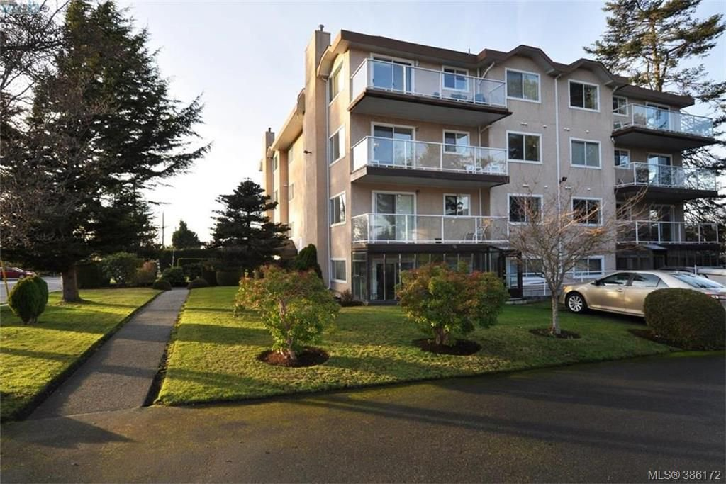 Main Photo: 304 2354 Brethour Avenue in SIDNEY: Si Sidney North-East Condo Apartment for sale (Sidney)  : MLS®# 386172
