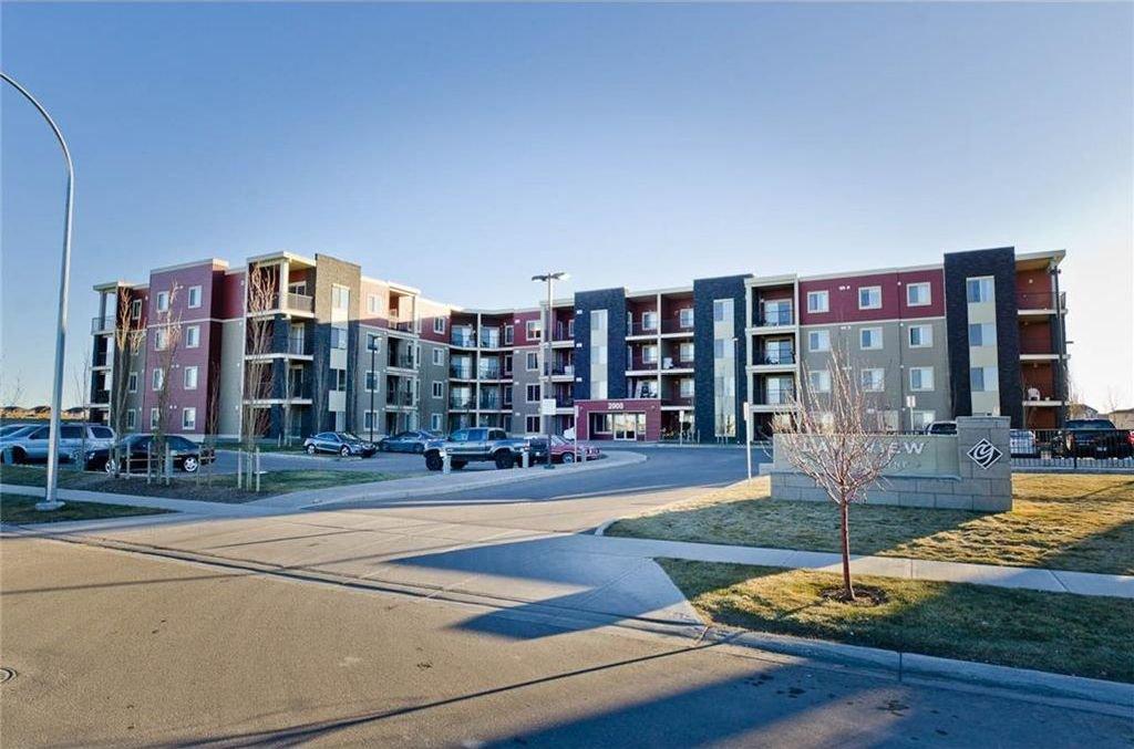 Main Photo: 414 15 SADDLESTONE Way NE in Calgary: Saddle Ridge Condo for sale : MLS®# C4149738
