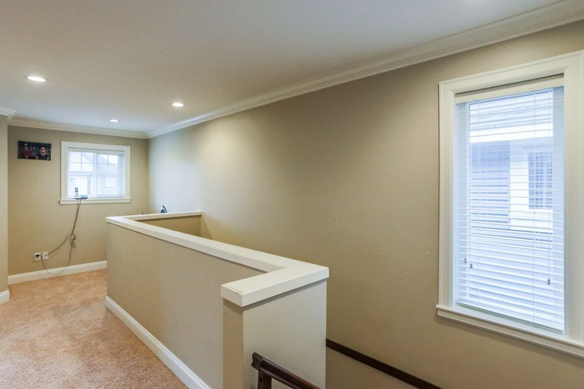 Photo 11: Photos: 5959 128A STREET in Surrey: Panorama Ridge House for sale : MLS®# R2212921