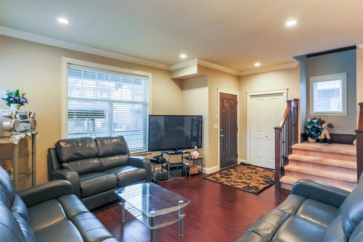 Photo 2: Photos: 5959 128A STREET in Surrey: Panorama Ridge House for sale : MLS®# R2212921