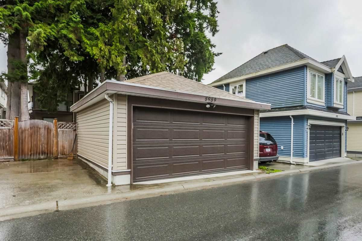 Photo 18: Photos: 5959 128A STREET in Surrey: Panorama Ridge House for sale : MLS®# R2212921
