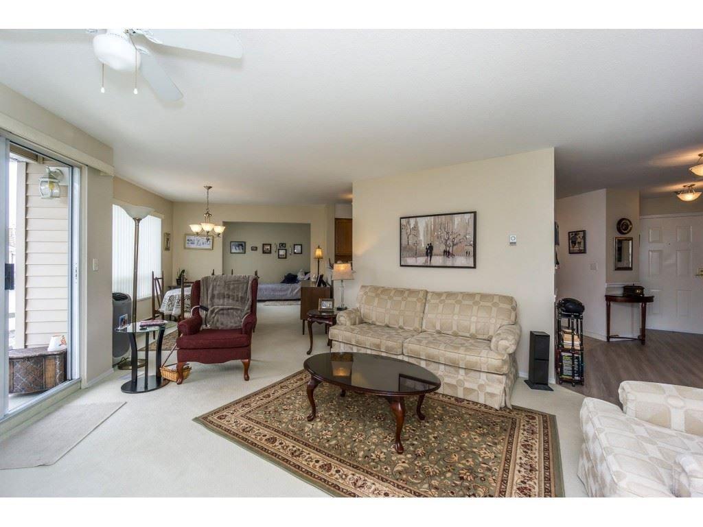 "Main Photo: 207 9295 122 Street in Surrey: Queen Mary Park Surrey Condo for sale in ""Kensington Gate"" : MLS®# R2248101"