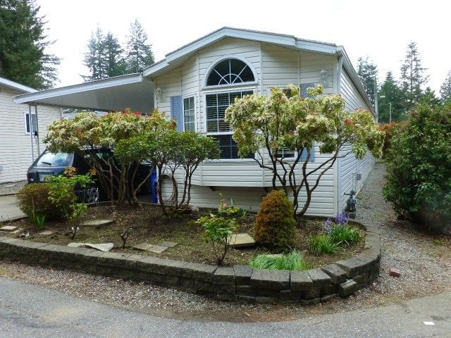 "Main Photo: 26 24330 FRASER Highway in Langley: Otter District Manufactured Home for sale in ""LANGLEY GROVE ESTATES"" : MLS®# R2264005"