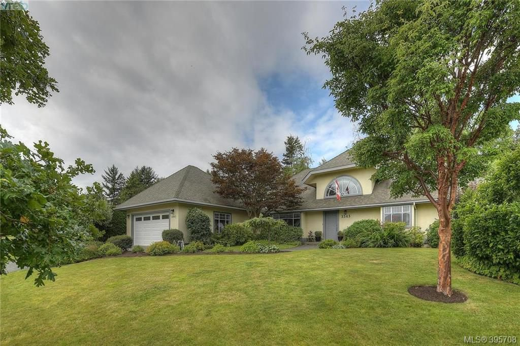 Main Photo: 3343 University Woods in VICTORIA: OB Henderson Single Family Detached for sale (Oak Bay)  : MLS®# 395708