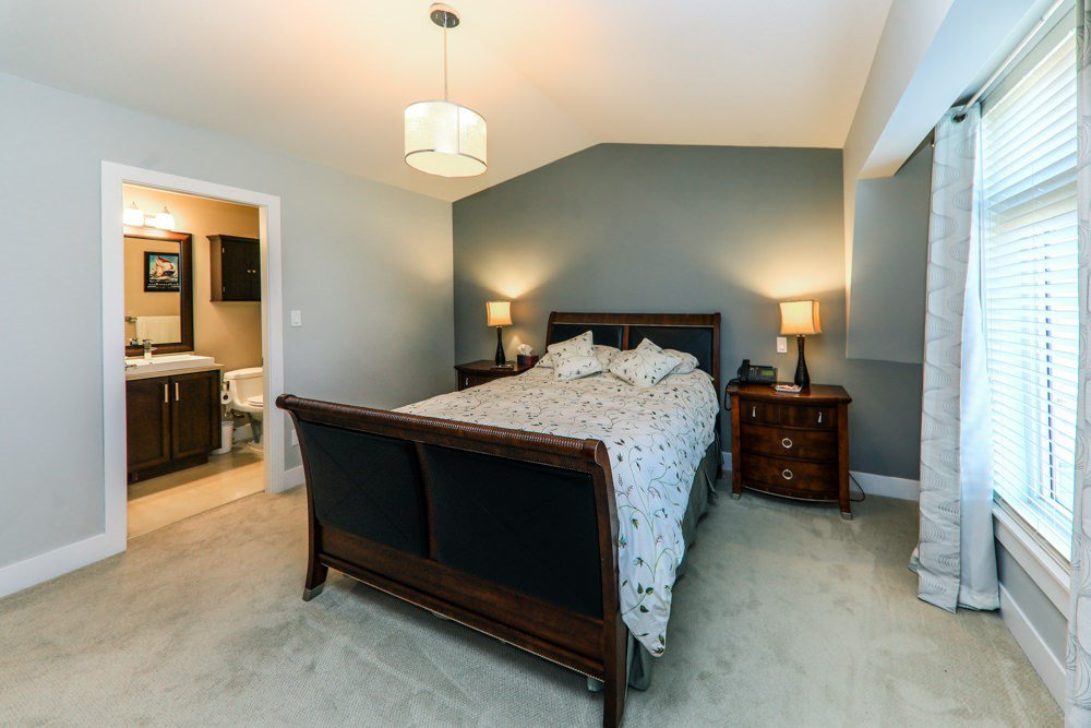 Photo 9: Photos: 7797 211B Street in Langley: Willoughby Heights Condo for sale : MLS®# R2350818