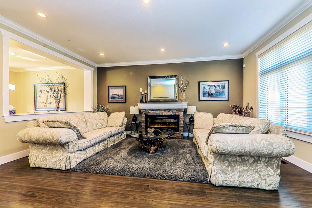 Photo 2: Photos: 7797 211B Street in Langley: Willoughby Heights Condo for sale : MLS®# R2350818