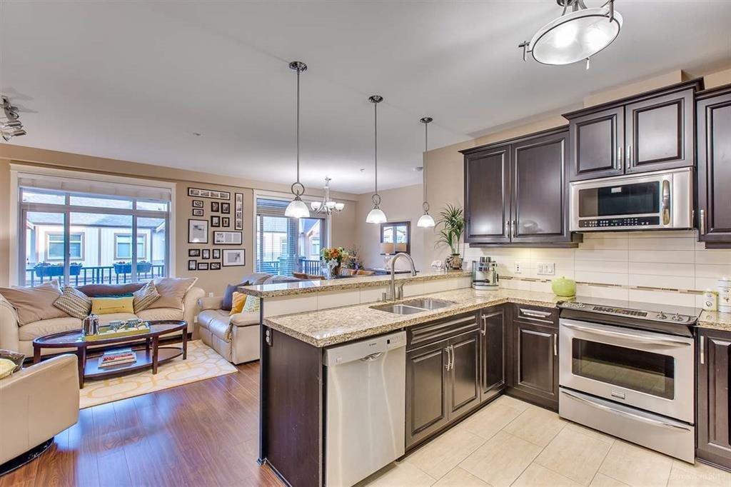 "Photo 8: Photos: 302 12565 190A Street in Pitt Meadows: Mid Meadows Condo for sale in ""CEDAR DOWNS"" : MLS®# R2352761"