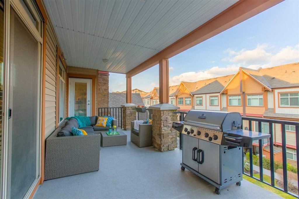 "Photo 3: Photos: 302 12565 190A Street in Pitt Meadows: Mid Meadows Condo for sale in ""CEDAR DOWNS"" : MLS®# R2352761"