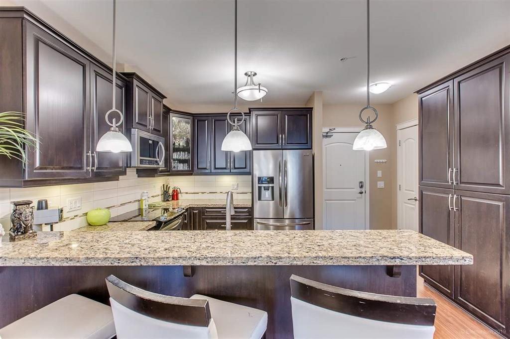"Photo 7: Photos: 302 12565 190A Street in Pitt Meadows: Mid Meadows Condo for sale in ""CEDAR DOWNS"" : MLS®# R2352761"